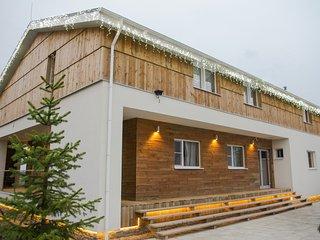 Chalet Yakroma - modern design villa