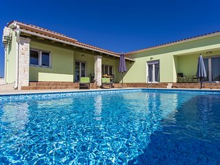 Beautiful Villa with private pool in village Štokovci