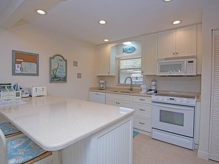 ***Sanibel Island -  Best Kept Secret!!