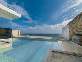 A Spectacular Brand New Contemporary Villa Nestled Just In Front of the Sea!