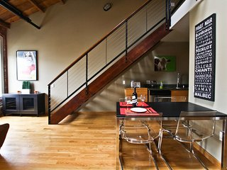 Furnished 1-Bedroom Loft at 20th St & York St San Francisco, Monmouth