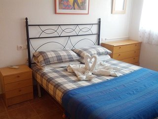 Fabulous Apartment With Air Con, Wi-Fi & Satellite TV. Close To Beach, Puerto de Mazarron