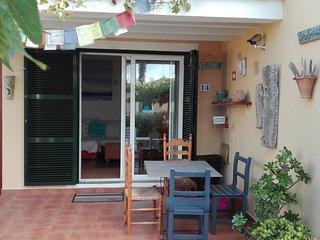 Apartamento con jardín y piscina en Menorca, Cala'n Bosch