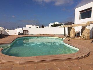 Bonita casa con piscina, Guime