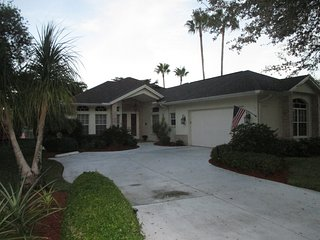 Spacious 3/2 Home with Lake View – 10 Minutes to Beach !