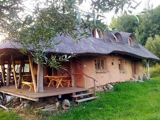 Hancza Strawbale Earth House