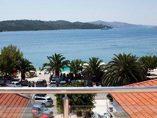 Luxury apartment on the beach 7, Okrug Gornji