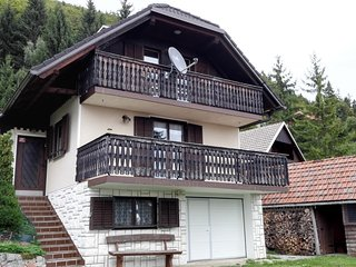 Chalet Jamnik  exceptional experience in the middle of nature, Cerklje