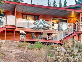 Rustic 3 Bedroom Suite in Idabel Lake Resort, 2 bathroom. Private Hot Tub.
