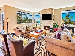 Ocean Views, Jacuzzi, Spacious Backyard, Game Room, 1 Minute Walk to Beach, Carlsbad