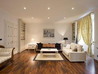 City center (Via Torrebianca): 140 sq.m. sumptuous apartment for 4+2., Trieste