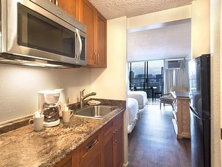 Island Colony 3810-Just Renovated!! Gorgeous!, Honolulu