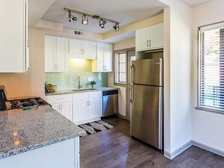 Premiere Location! Luxurious Tri-level Townhouse!, Atlanta