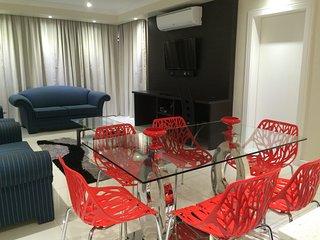 2Bedroom Mouille Point Beach Front Apartment, Le Cap
