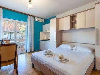 Apartments Dobrila in Jelsa