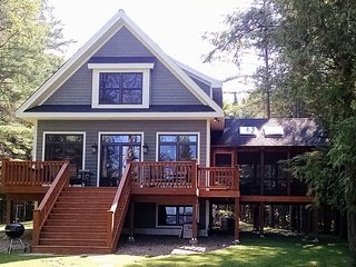 SUNSET GETAWAY.  Spacious 4 BEDROOM 3 BATH BIG ST GERMAIN LK,