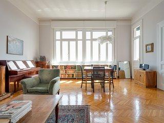 Via Locchi, 110 sq.m. apartment for 6 (with sea view)., Trieste