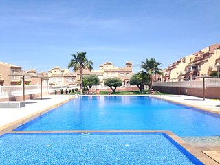 Holiday Home with Pool, Close to beach and City, Gran Alacant