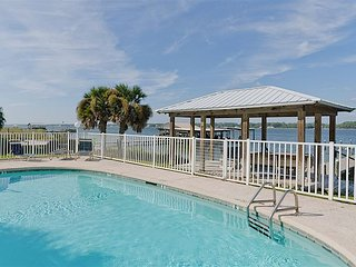 5BR, 4.5BA Laura Kate Home in Gulf Shores' Sunwatch Cottages – Walk