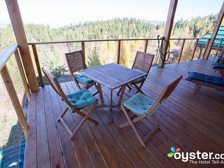 2-Bedroom Suite Bird, 6 guests, at Myra Canyon Ranch above Kelowna
