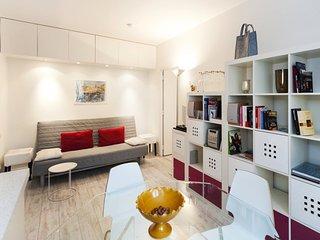 One bedroom   Paris Luxembourg district (946)