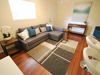 Stylish South Lamar Condo 78704!
