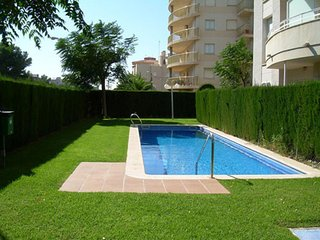 Nice Apartment to 100 m to the beach/Internet/Air Conditioning/Smart tv/Pool, Miami Platja