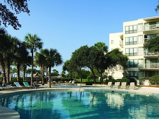 Marriott Oceanfront in Sea Pines - Friday, Saturday, Sunday Check Ins Only!, Hilton Head