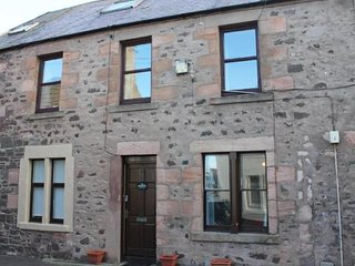 Puffin House by the Sea, Eyemouth, Scottish Borders. 2 bedroom, sea views,