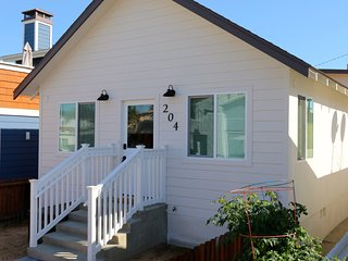 Cool Beach Rental ~ Coastal Cottage, Newport Beach