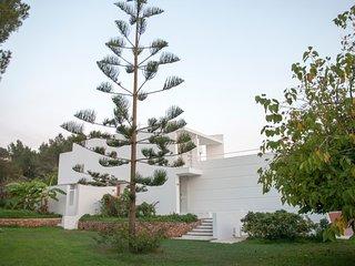 Villa Lluc, Talamanca