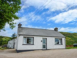 GAPPLE COTTAGE, all ground floor, multi-fuel stove, lough views, Rathmullan, Ref