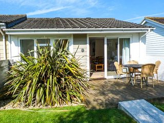 WEST BAY CLUB & SPA TWO BED COTTAGE EN-SUITE superb on-site facilities in Yarmouth Ref 943763
