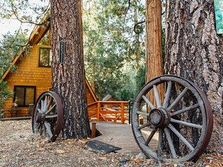 Idyllcove A-Frame Vacation Cabin