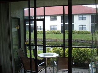 Shorewalk Lakefront condo,3min to IMG  15min to Beach, Bradenton
