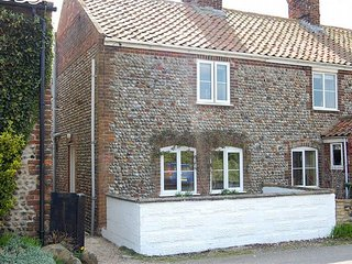 FISN8 Cottage in Bacton, Walcott