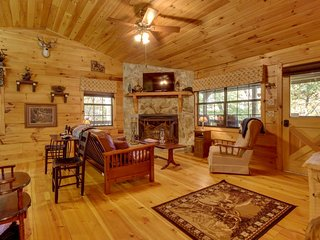 Dog-friendly creek-front cabin on 5 acres of land; secluded but close to town