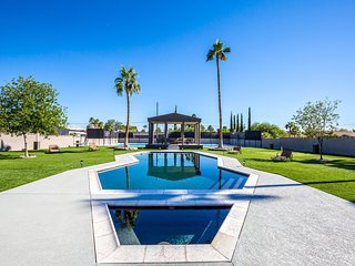 Basketball/Tennis Court 5 Star Luxurious Mansion, Las Vegas