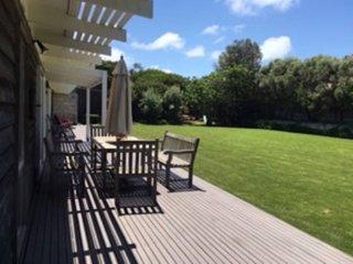 Cedar House on Central - quiet location, Blairgowrie