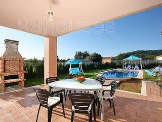 Nice villa for 8 people with pool and jacuzzi., Sa Pobla