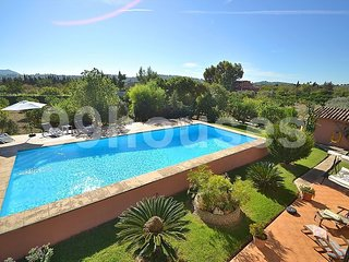 Country house with large swimming pool, Selva