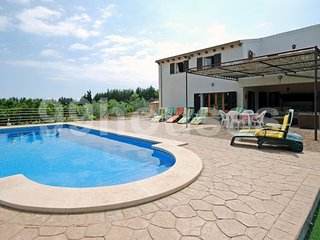 Complete and economic country house, Santa Margalida