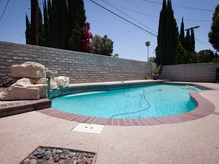 ENTIRE Pool house for fun stay 4+2+guest house, Los Ángeles