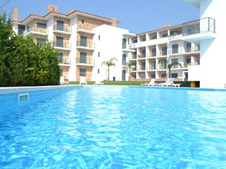 OG AG - Sao Martinho do Porto - Modern 1 bedroom apartment with a large pool