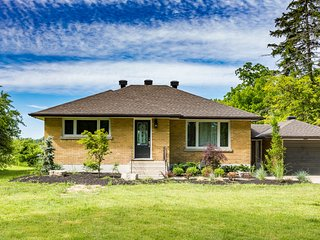 Luxury Vineyard Cottage Rental, Niagara-on-the-Lake