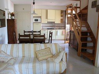 CIRCOTRILO - A Numana ampio appartamento su due piani con posto auto riservato