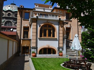 Secession Style Single room in Central Sofia with Shared Bathroom