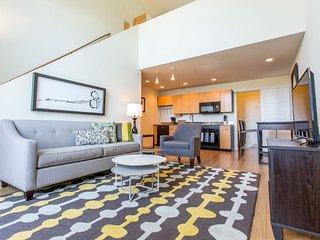 Furnished 1-Bedroom Loft at Kettner Blvd & W Hawthorn St San Diego