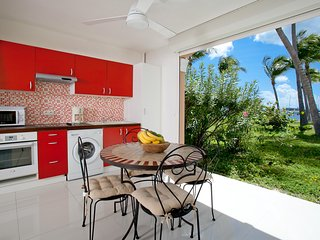 Studio à la Baie Nettle dans complexe hôtelier 'Les Flamboyants'