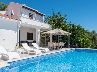 Holiday Home Vrgorac with swimming pool